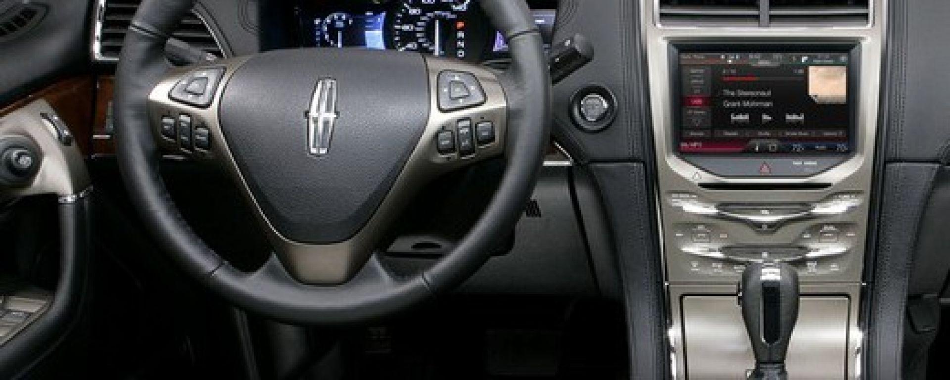 L'auto diventa multimediale