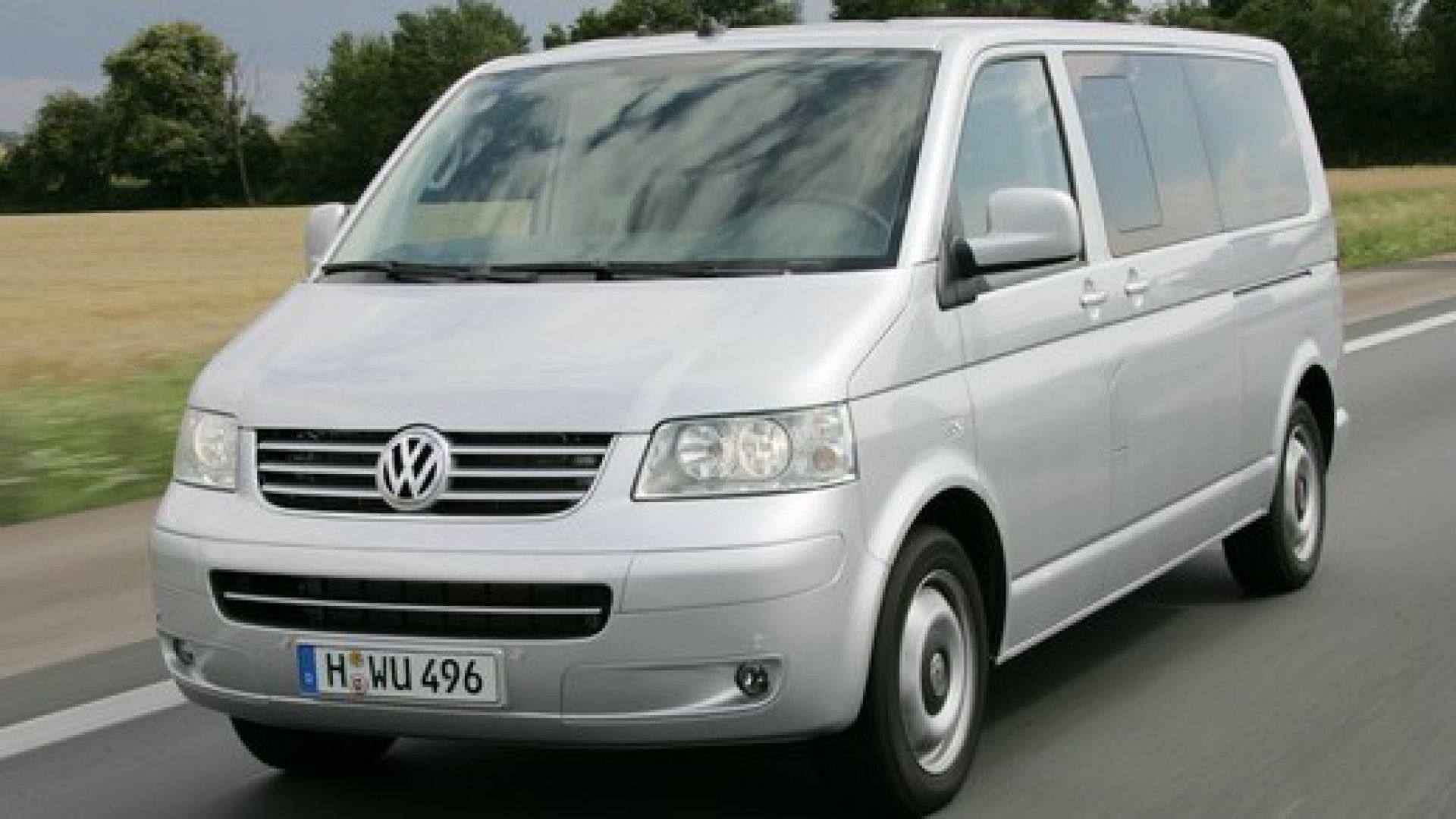 prova volkswagen t5 multivan 2010 motorbox. Black Bedroom Furniture Sets. Home Design Ideas