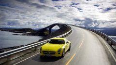 La Mercedes SLS AMG E-Cell in 67 nuovi scatti... - Immagine: 35