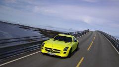 La Mercedes SLS AMG E-Cell in 67 nuovi scatti... - Immagine: 40