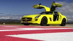La Mercedes SLS AMG E-Cell in 67 nuovi scatti... - Immagine: 64
