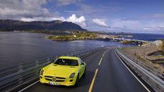 La Mercedes SLS AMG E-Cell in 67 nuovi scatti... - Immagine: 65