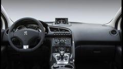 Peugeot 3008 HYbrid4 - Immagine: 4