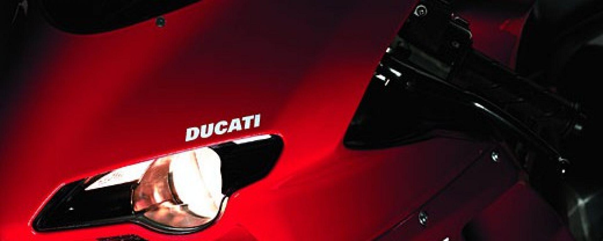 Ducati 1098 vs KTM RC8 1190