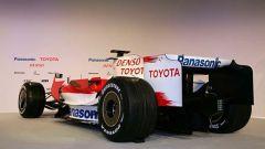 la Toyota TF108 in formato gigante - Immagine: 3