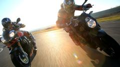 Aprilia Tuono 1100 Factory vs KTM 1290 Super Duke R - Immagine: 1