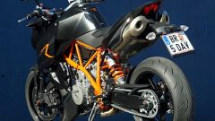 Aprilia Tuono 1100 Factory vs KTM 1290 Super Duke R - Immagine: 21