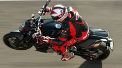 Aprilia Tuono 1100 Factory vs KTM 1290 Super Duke R - Immagine: 31