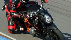 Aprilia Tuono 1100 Factory vs KTM 1290 Super Duke R - Immagine: 33