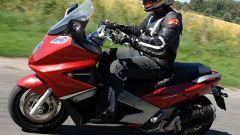 GILERA: Test Ride GP800 - Immagine: 16