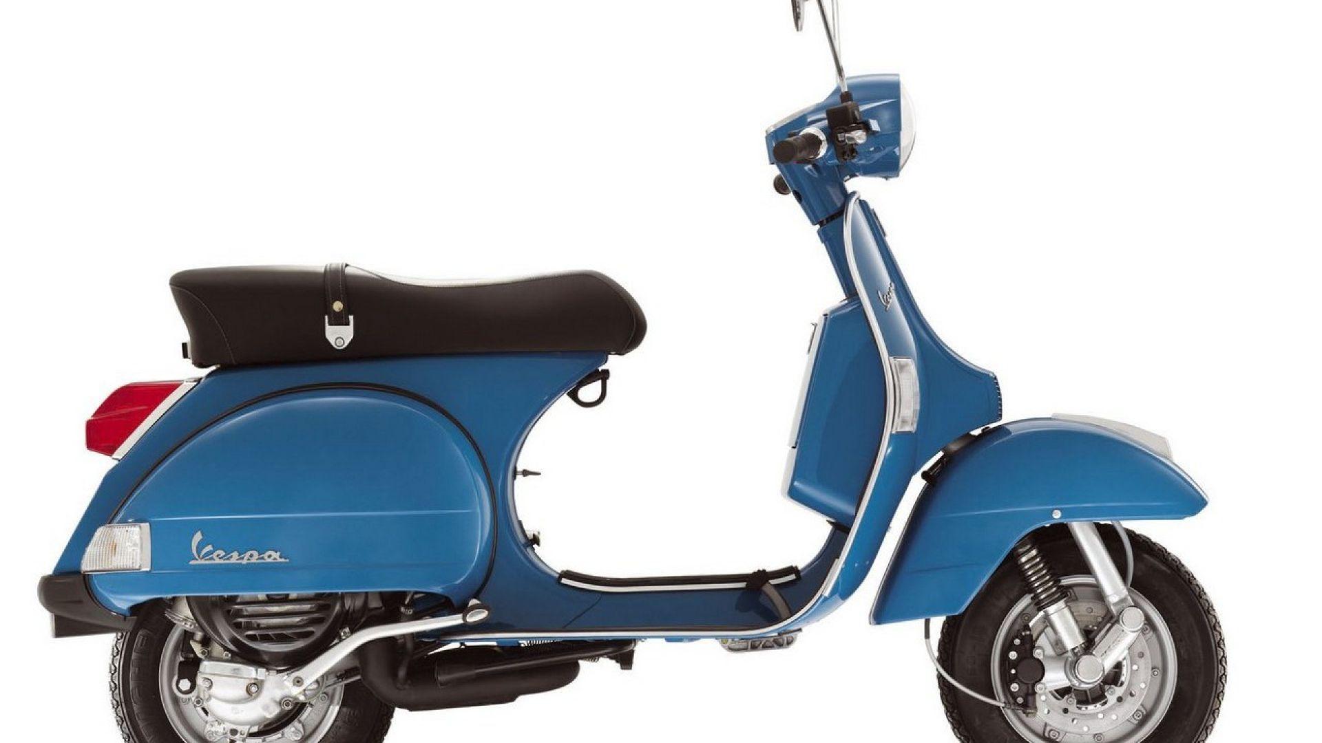 Immagine 8: Piaggio Vespa PX 2011