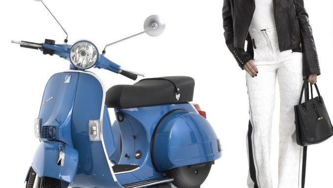 Immagine 3: Piaggio Vespa PX 2011