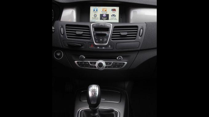 Immagine 14: Renault Laguna 2011