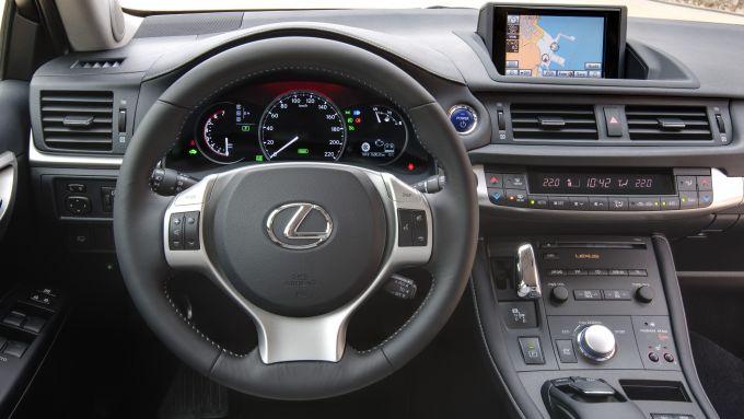 Immagine 40: Lexus CT 200h