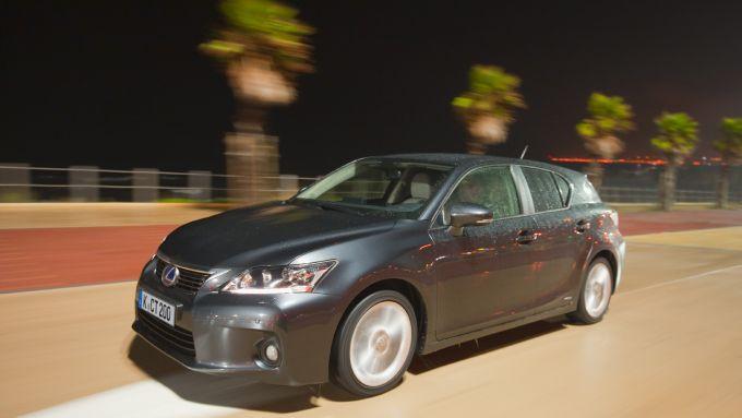 Immagine 11: Lexus CT 200h