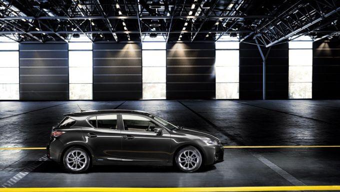 Immagine 2: Lexus CT 200h