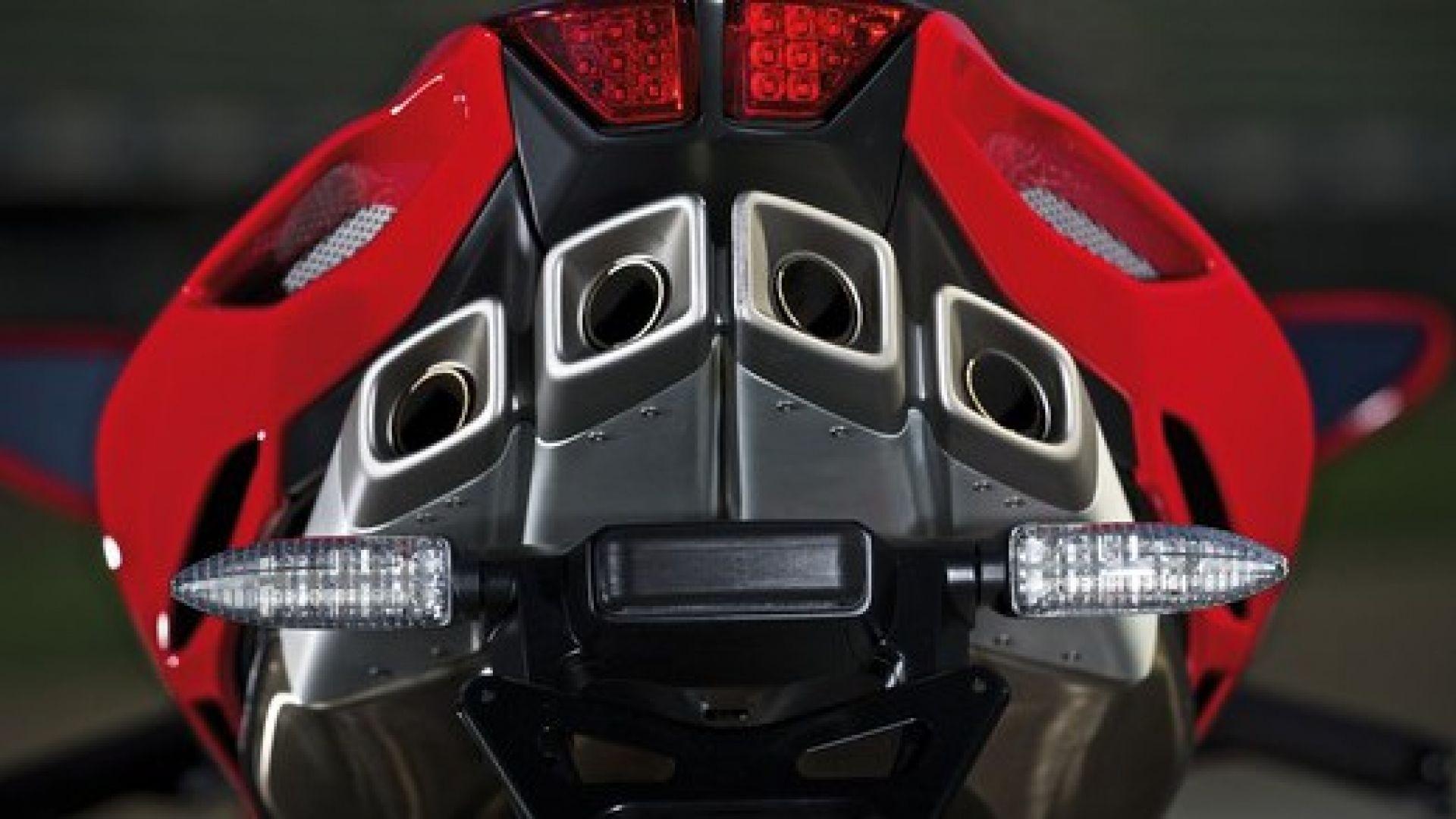 Immagine 87: Al Mugello con le 1000 Superbike 2011