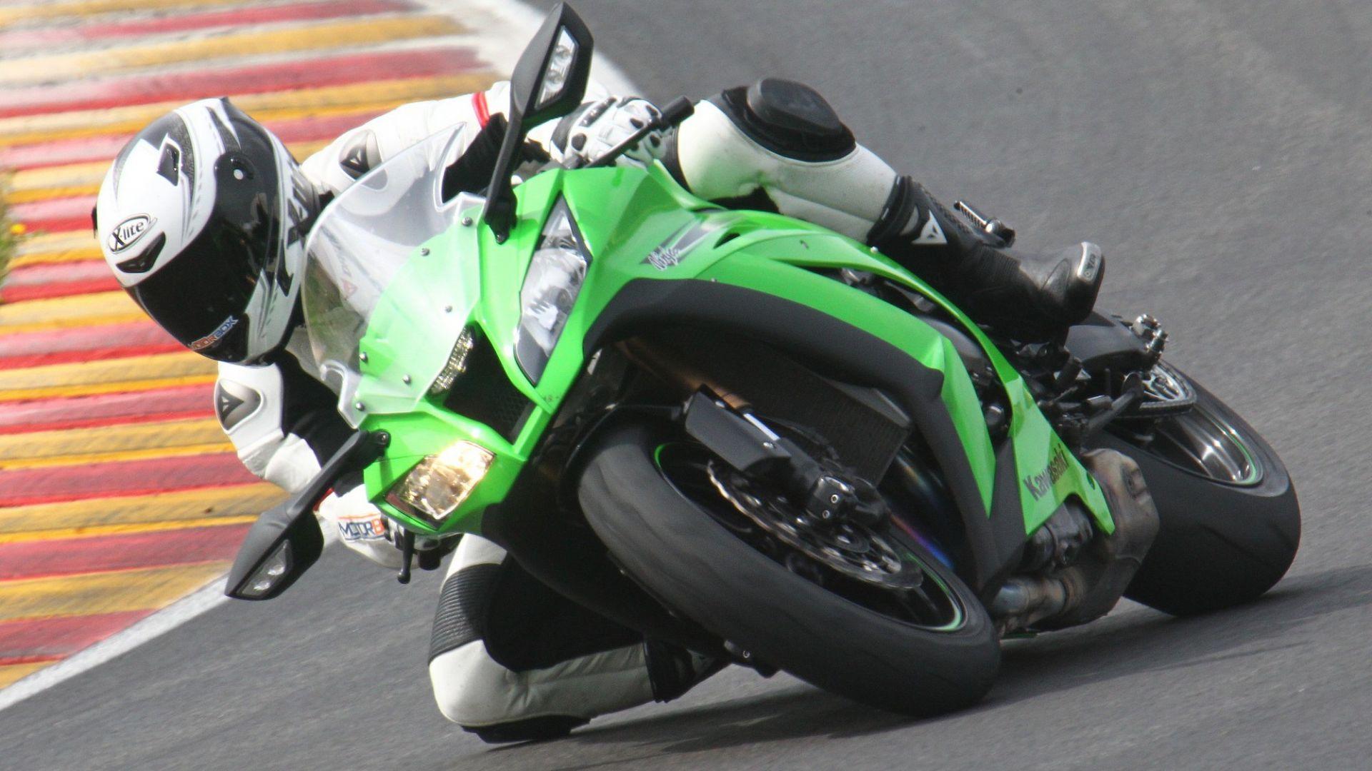 Immagine 32: Al Mugello con le 1000 Superbike 2011