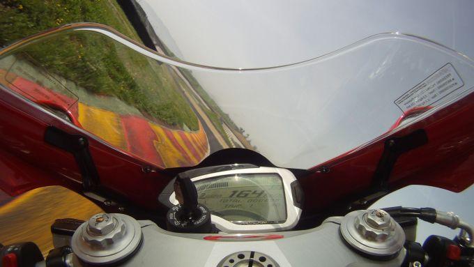 Immagine 29: Al Mugello con le 1000 Superbike 2011