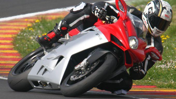 Immagine 4: Al Mugello con le 1000 Superbike 2011