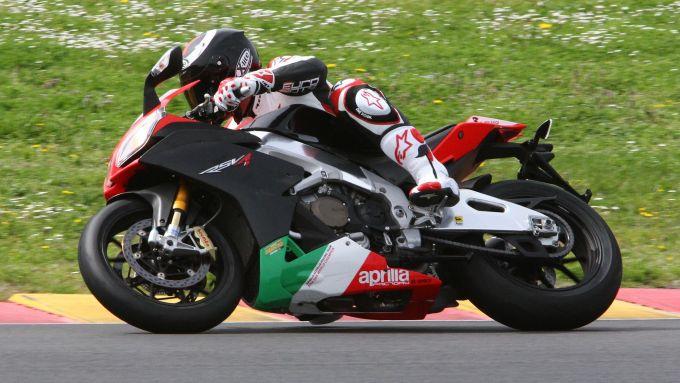 Immagine 14: Al Mugello con le 1000 Superbike 2011