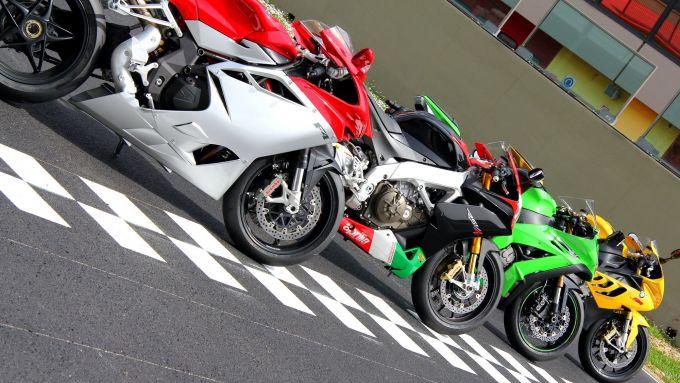 Immagine 5: Al Mugello con le 1000 Superbike 2011