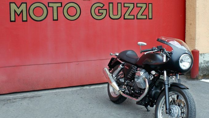Immagine 7: Moto Guzzi V7 Café Racer