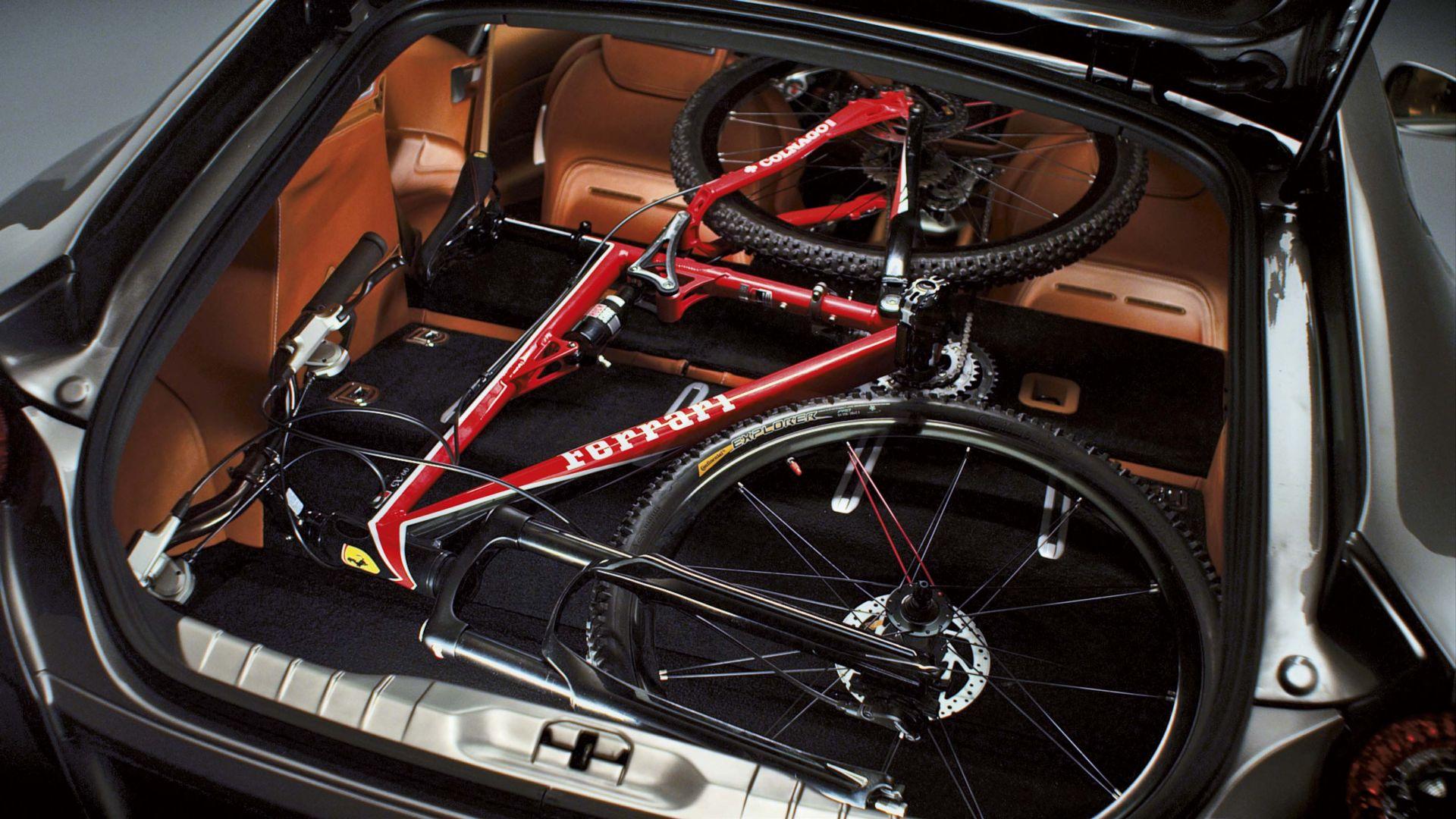 Immagine 26: Ferrari FF, 30 nuove immagini in HD