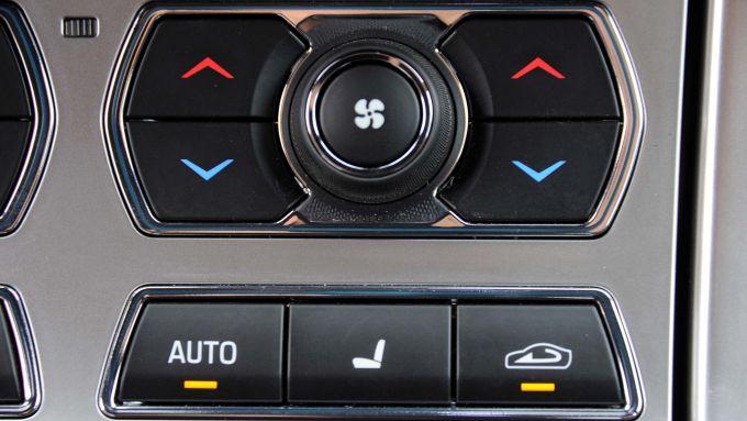 Immagine 73: Jaguar XF 2.2 D