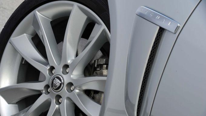 Immagine 56: Jaguar XF 2.2 D