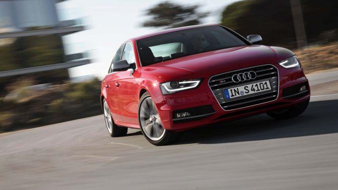 Immagine 1: Audi A4 e S4 2012: ora anche in video