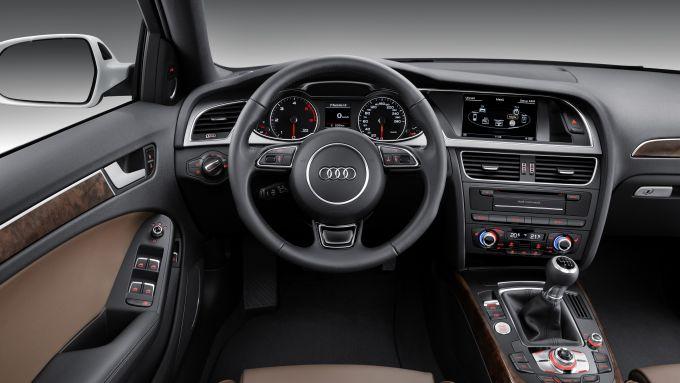 Immagine 29: Audi A4 e S4 2012: ora anche in video