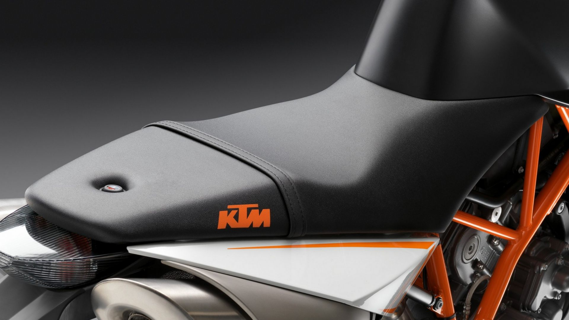Immagine 1: KTM Super Duke R 2012