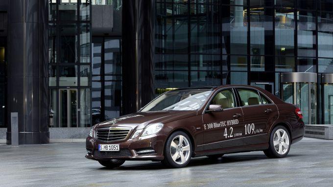 Immagine 1: Mercedes E 300 BlueTEC HYBRID