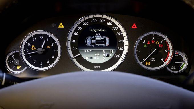 Immagine 2: Mercedes E 300 BlueTEC HYBRID