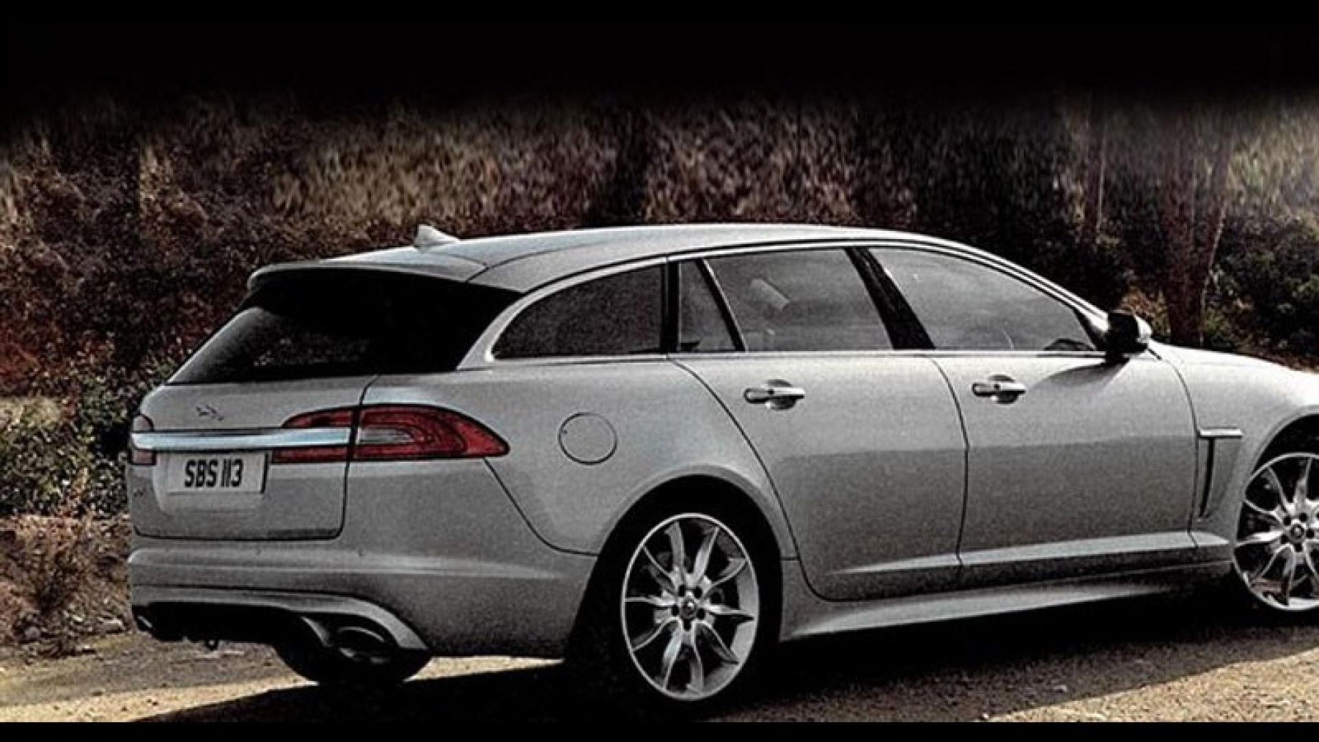 Immagine 0: Jaguar XF Sportbrake: a nudo la station wagon