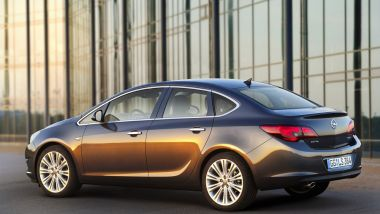 Listino prezzi Opel Astra Sedan