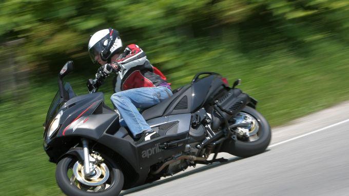 Immagine 8: Aprilia SRV 850 ABS/ATC