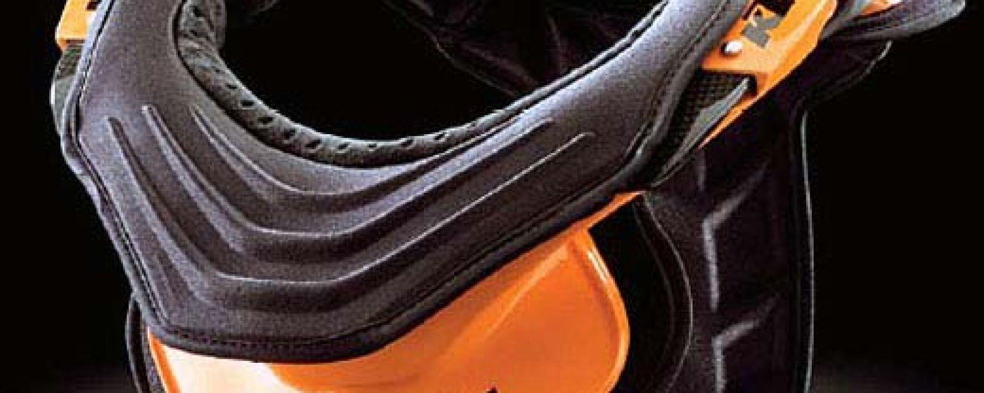 SICUREZZA: KTM Neck Brace il casco per il collo