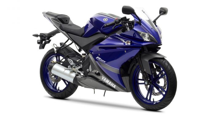 Immagine 11: Yamaha Race Blu Series