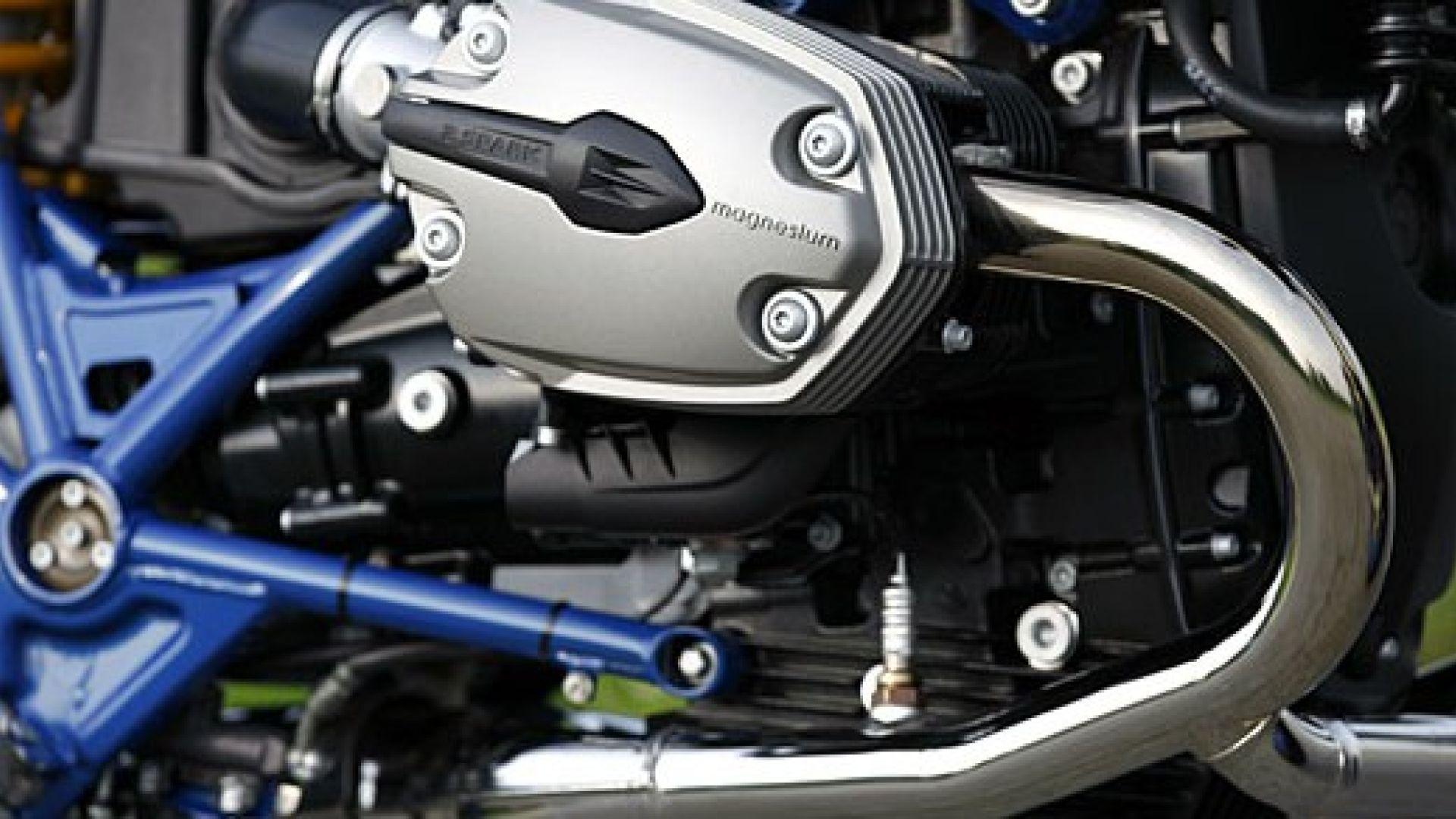 Immagine 14: BMW Megamoto