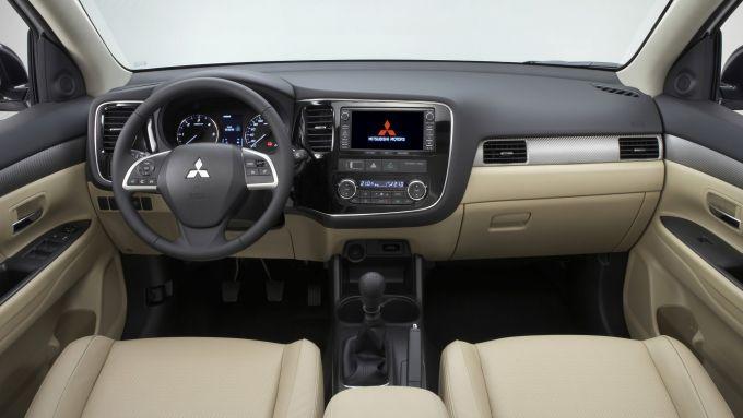 Immagine 64: Mitsubishi Outlander 2013