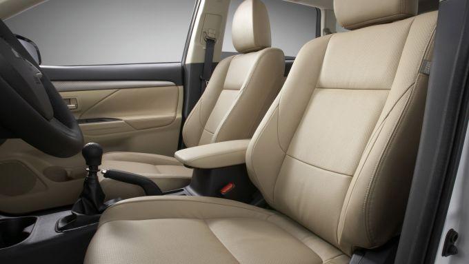 Immagine 63: Mitsubishi Outlander 2013
