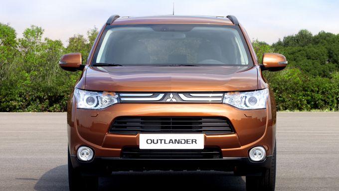 Immagine 51: Mitsubishi Outlander 2013