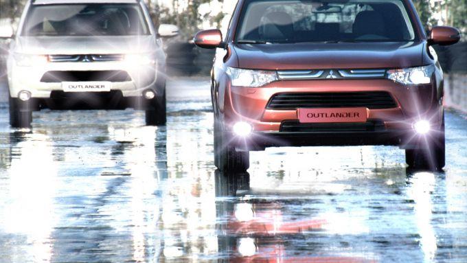 Immagine 12: Mitsubishi Outlander 2013
