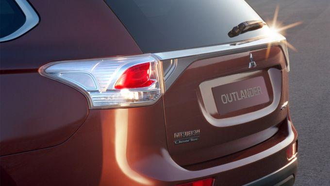 Immagine 32: Mitsubishi Outlander 2013