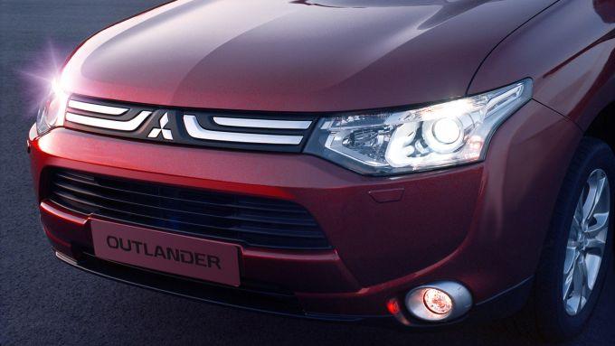 Immagine 52: Mitsubishi Outlander 2013