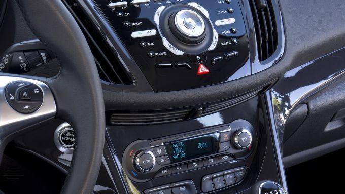 Immagine 25: Ford Kuga 2013