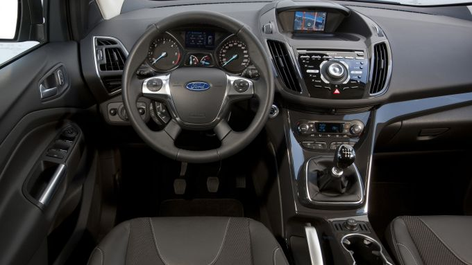 Immagine 3: Ford Kuga 2013