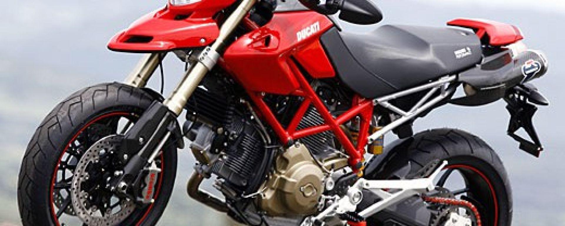 Prova: Ducati Hypermotard 1100 - MotorBox